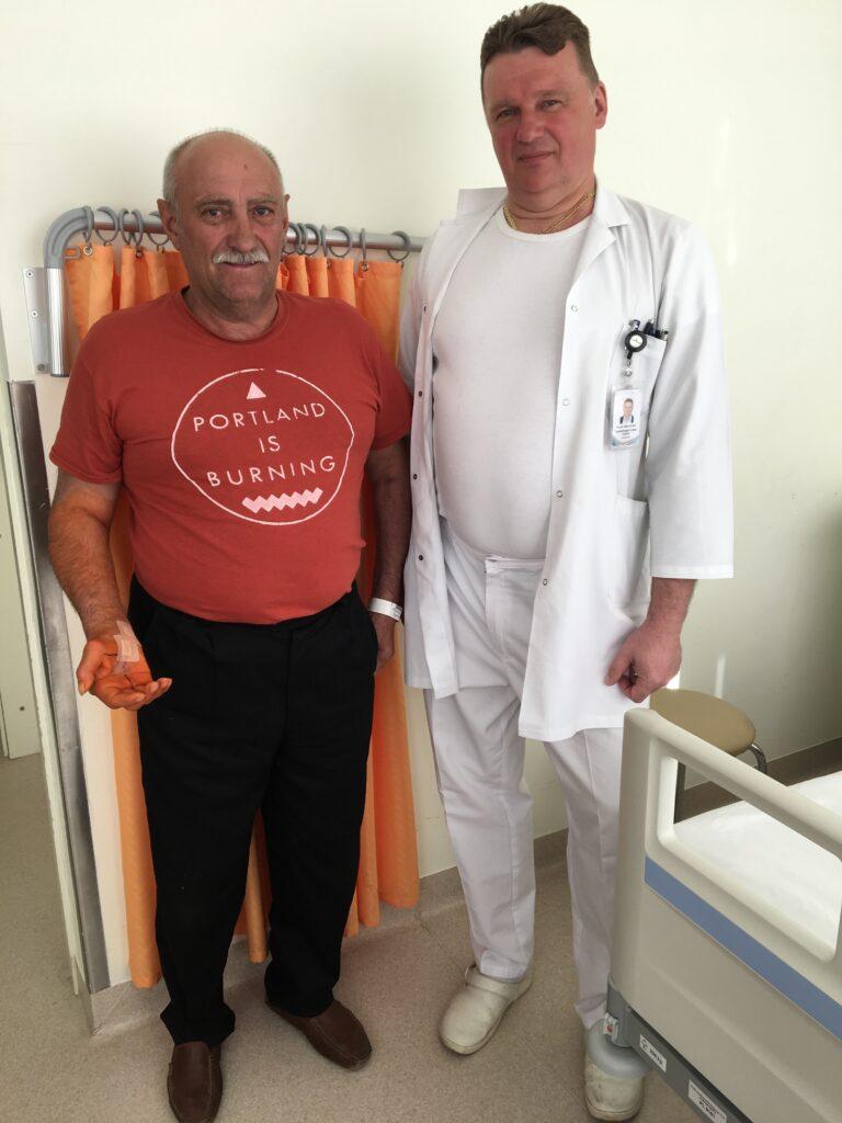 Operācijā ar jauno artroskopijas torni novērš karpālā kanāla sindromu