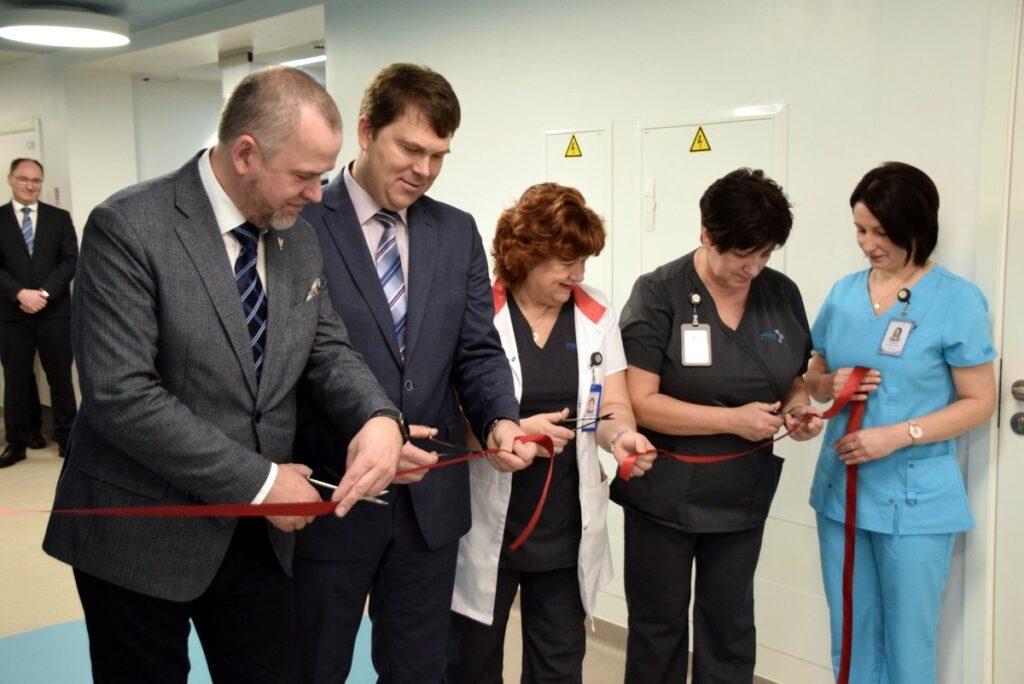 Atklāta pārbūvētā laboratorija un asins sagatavošanas nodaļa