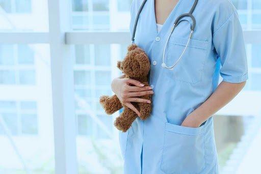 Pediatre Elita Smoļina aicina uz konsultāciju