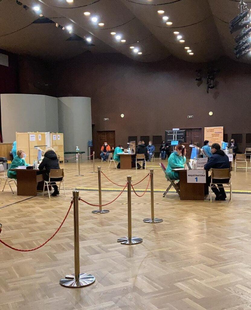 Darbs Valmieras vakcinācijas centrā 5. un 6. maijā